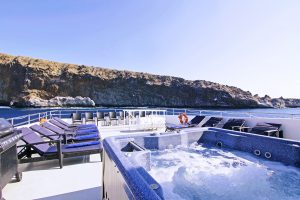 The hot tub onboard the Nautilus Belle Amie